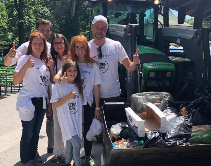 Pullman Munich Goes Planet 21 Park Cleanup Event Hotels